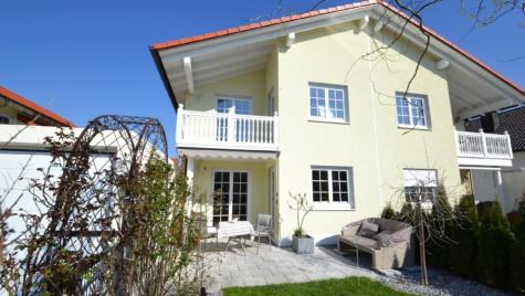 Juwel! Top gepflegte DHH mit viel Platz für die ganze Familie im idyllischen Moosinning-Eichenried, 85452 Moosinning, Doppelhaushälfte